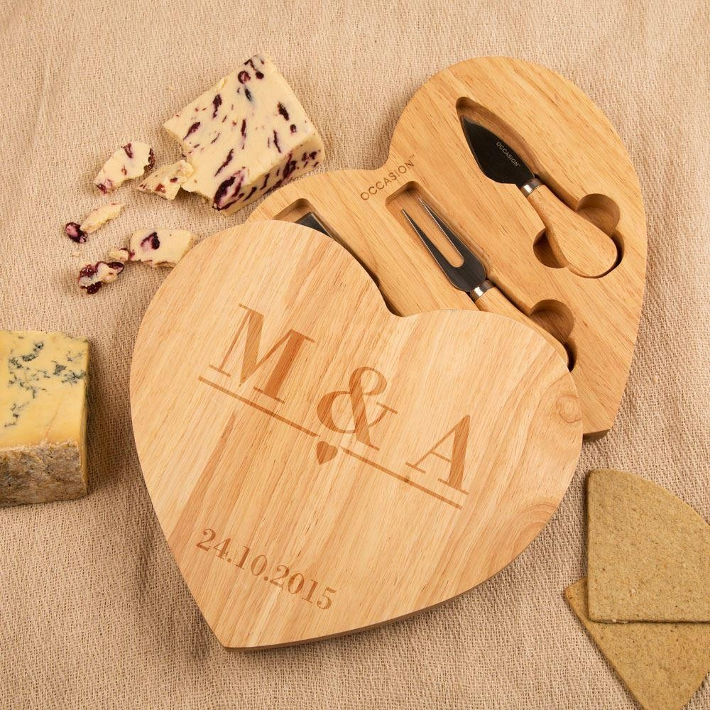 Personalised Initials and Date Heart Cheeseboard
