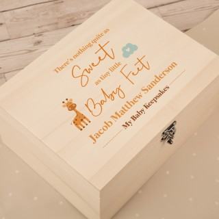 Wooden Baby Boy Keepsake Box. Giraffe and Baby Feet